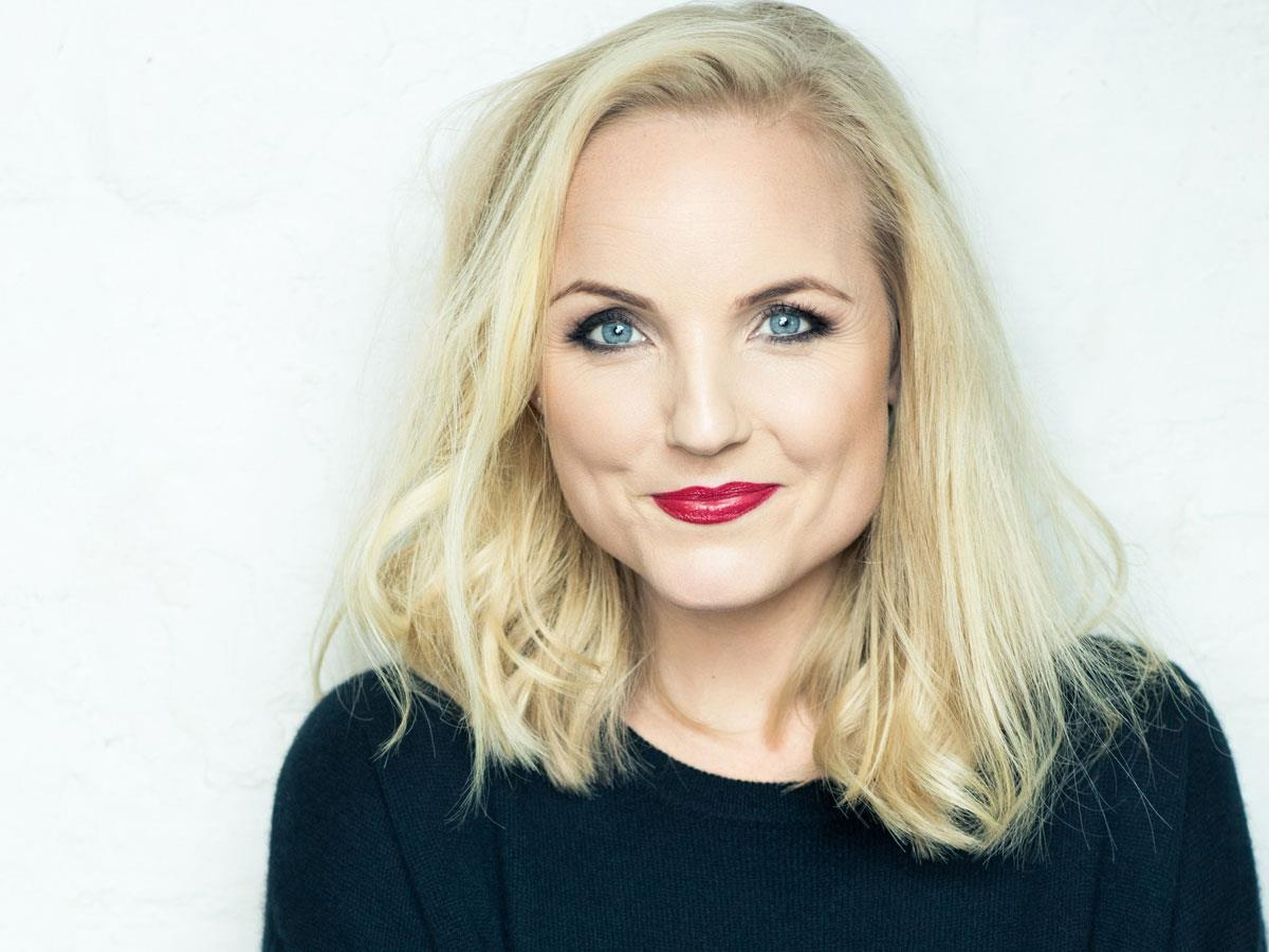 Questa Voce Sings Christmas with Kerry Ellis