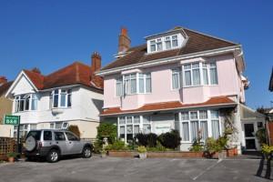 Shoreline Guest House